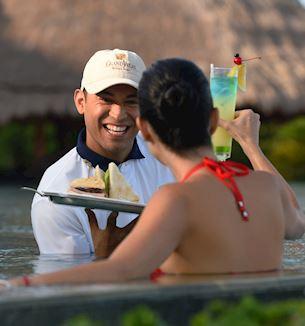 pool-and-beach-concierge-grand-velas-riviera-maya