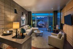Spa-Suite-Living-Room