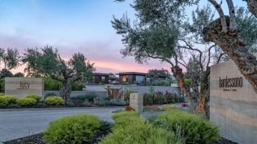 napa-valley-california_bardessono-hotel-and-spa_exterior_64786042_4k