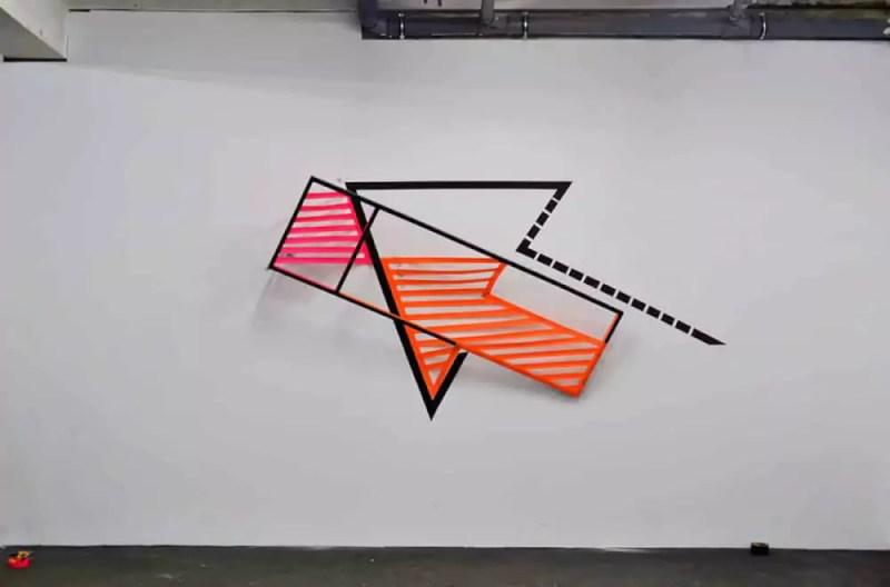 Arrow-voluminous-3d-duct-tape-graffiti-Ostap-2013