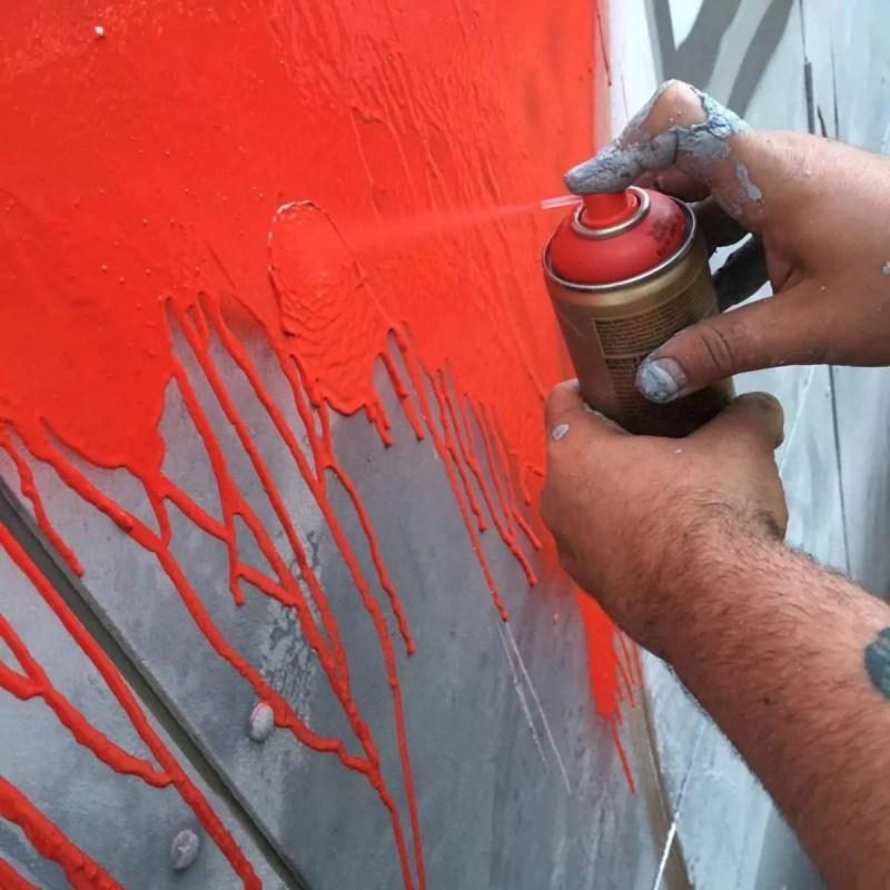 Street artist Ostap on spraying- Berlin 2016