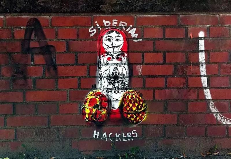 sibirische hackers- Matroschka-stencil street art- Slava Ostap-2017