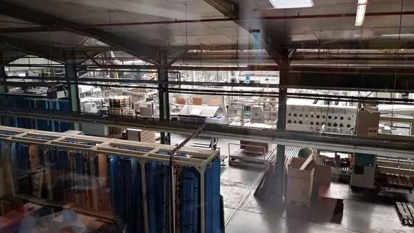 Förderbahn-Produktionshalle