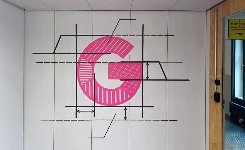 Buchstabe-tape-art-google-office-design-zürich-selfmadecrew-2016