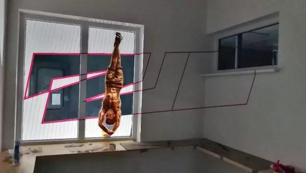 Breakdance Tänzer Figur 2000- Braunes Klebeband Kunstwerk- Ostap 2018