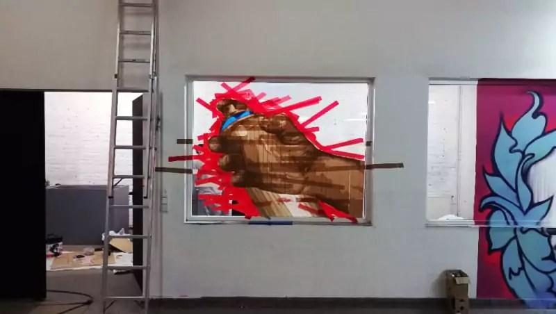 Wandelism Tape Art- Entstehung Tape Spraycan-installation von Slava Ostap