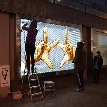 The Haende-Street Art mit Paketklebeband- The Haus Projekt