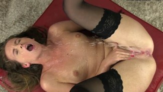 Naty Lee selfpissing