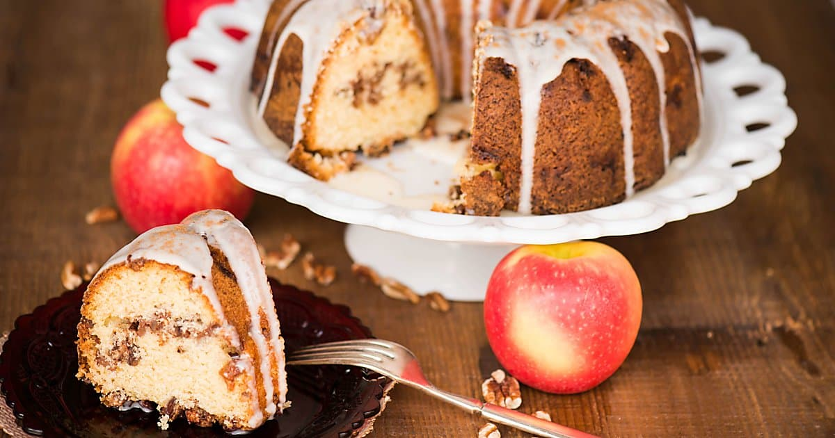 Apple Pecan Bundt Cake Self Proclaimed Foodie