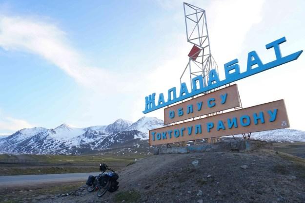 Top of the Ala Bel pass, between Toktogul and Bishkek