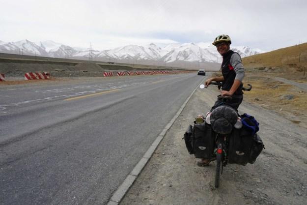 Heading up the Kunlun pass