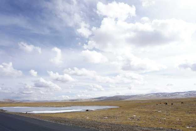 Qinghai is big sky country.