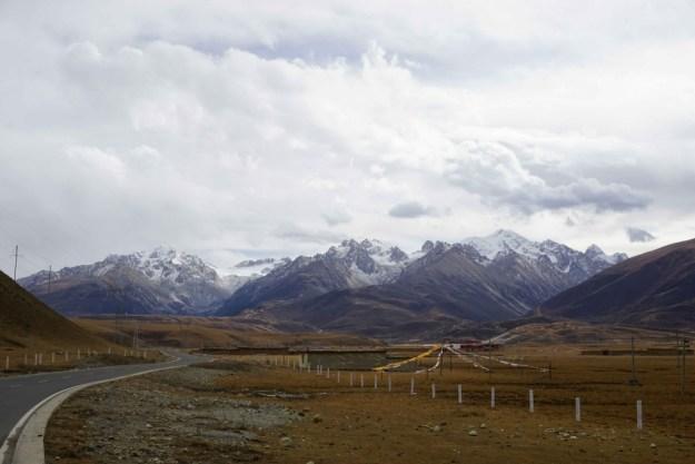 Approaching Zhuqing, Sichuan