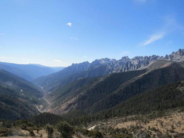 The Sichuan/Yunnan border at 4500m.