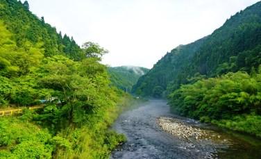 Superb descent down the Niyodo River valley, Shikoku