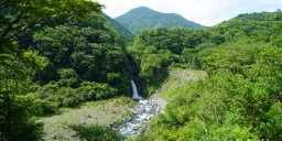 Climbing the lower Abe River valley