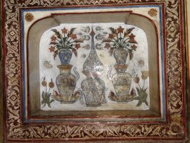 Decoration_on_the_wall_of_the_masoleoum_of_Itmad-ud-Daulah's_tomb_0