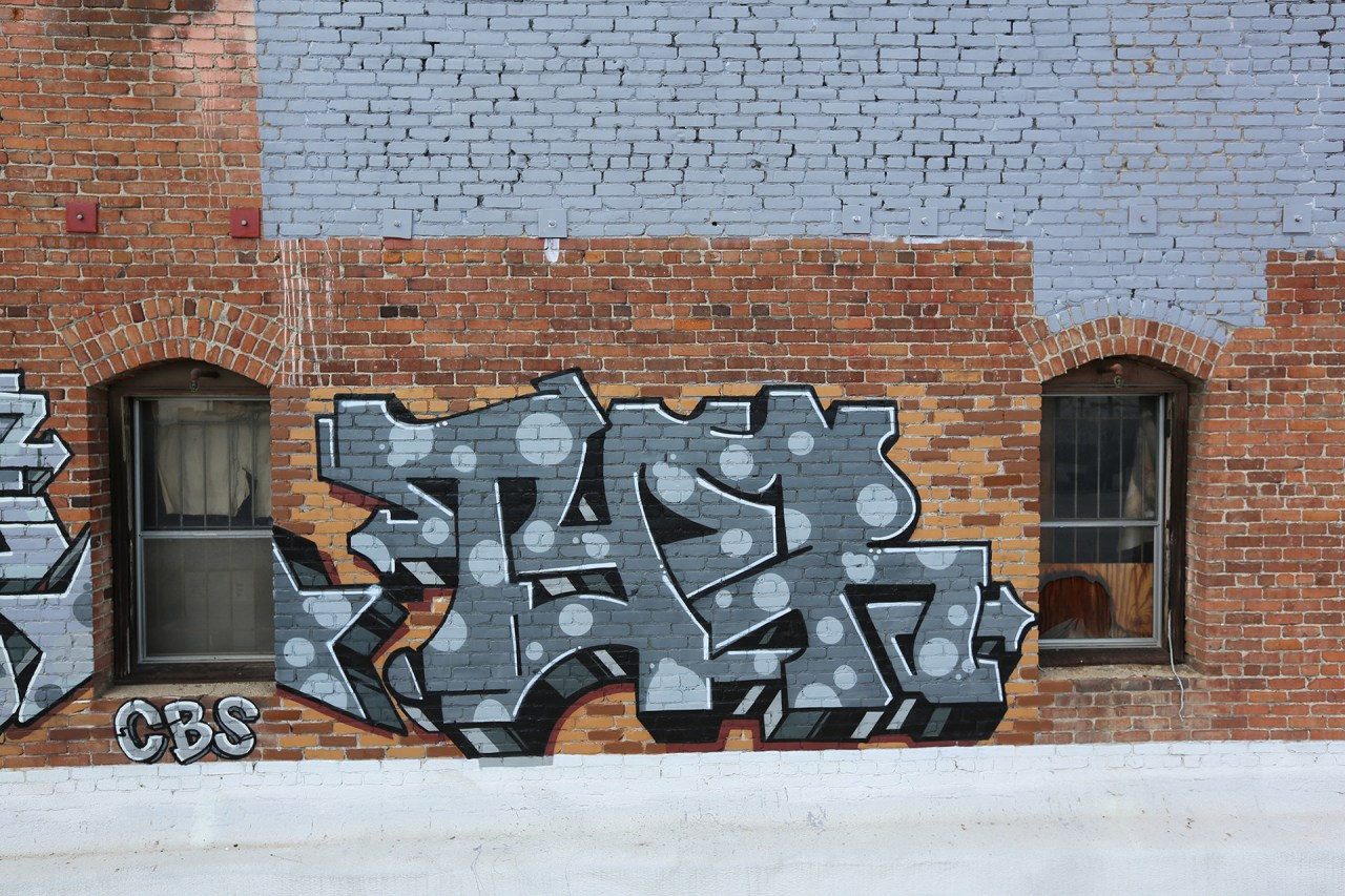 self selfuno tyer graffiti burner letters downtown dtla may 2014