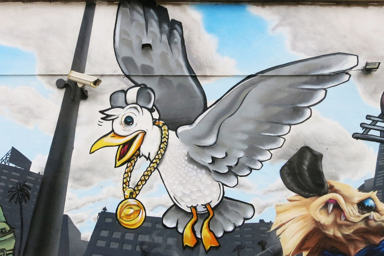 self selfuno seagull character graffiti gold chain mural art spraypaint hollywood los angeles california august 2015