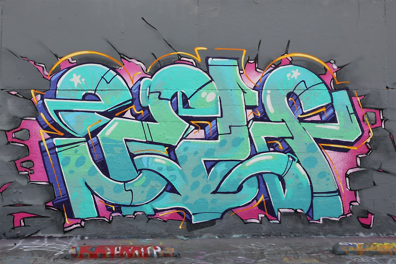 selfuno self graffiti grafflab los angeles california burner letters piece connections funky fresh november 2015