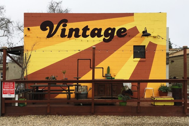 vintage shop ventura camarillo selfuno sign paint 2018
