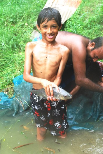 Happy to have caught a fish in Rajbari http://www.selimsraasta.com/2014/06/18/bangladesh-seen-through-the-eyes-of-two-yorkshire-children/