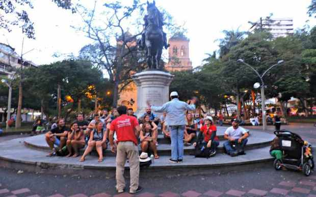 Real City Walking Tour Medellin Locals