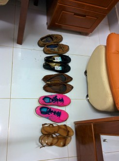 1 pair of sandals, 1 pair of sneakers, 2 paris of flats, 1 pair of casual shoes