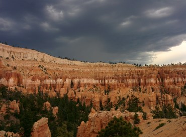 The ominous clouds on our hike on Peekaboo.