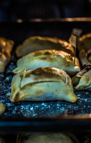 Empanadas bien dorées au four