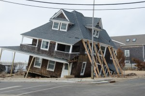 tips for selling a damaged house