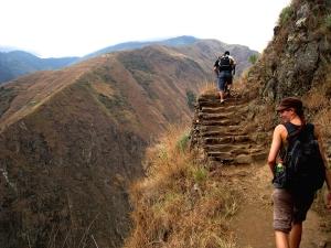 Foto van een wandelpad uit de Incatijd.