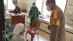 AKBP Guntur Saputro Bahagia Bisa Antar Nenek Aminah Menjalani Vaksinasi