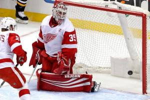 Jimmy Howard won just 2 of his 27 starts in 2019-20, recording the worst stats of his career