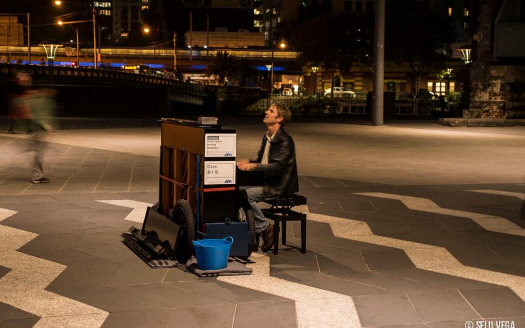 Pase lo que pase nunca dejes de tocar Día internacional del músico - Melbourne 2013
