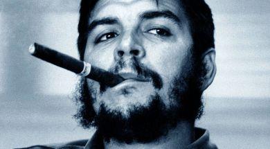 Ernesto_Che_Guevara_sigaro