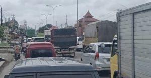 Semarang Macet Akibat Perbaikan Jembatan
