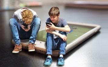niños pantallas