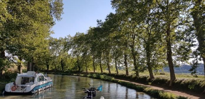 en barco canales francia