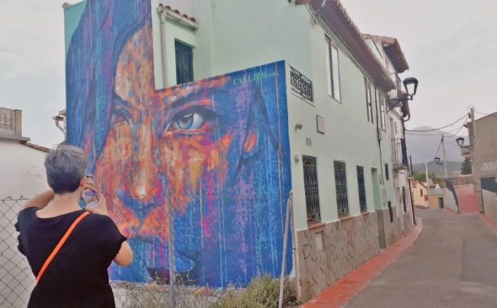 Nuevos murales de arte urbano en Torrellas