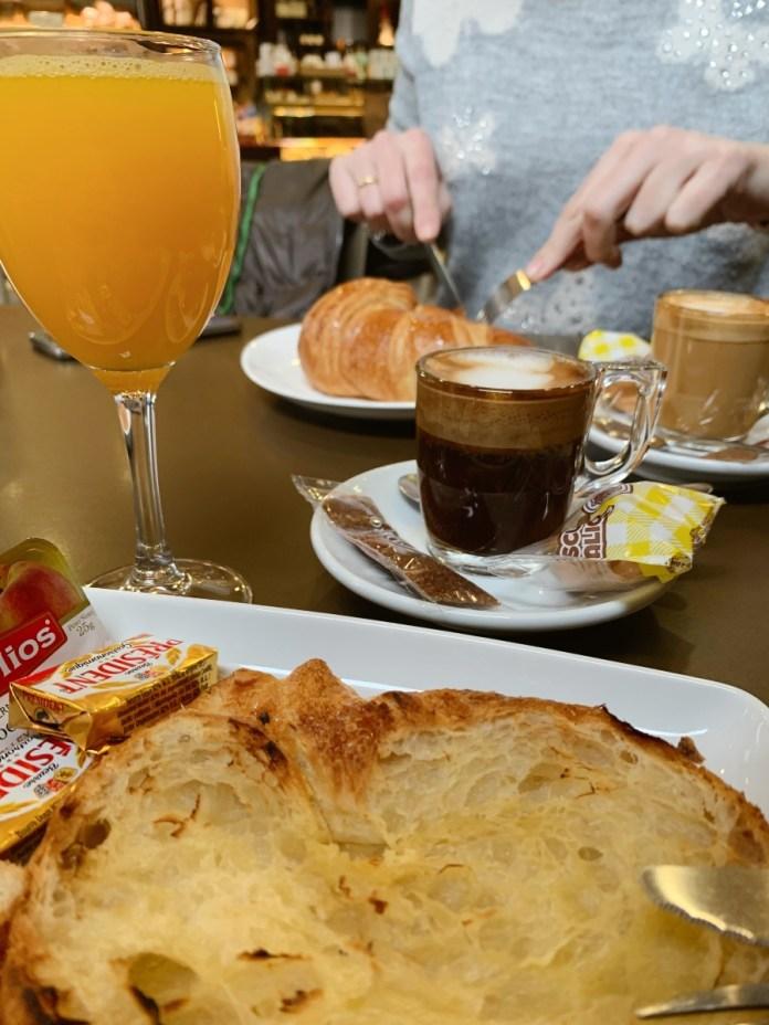 Desayuno Completo en Tres delicias