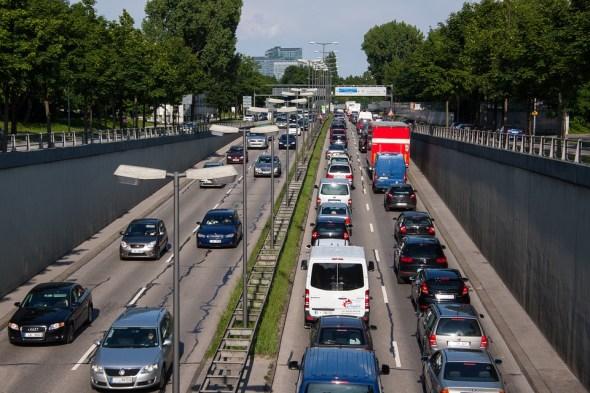Fuente: https://pixabay.com/en/traffic-jam-stop-and-go-rush-hour-143391/