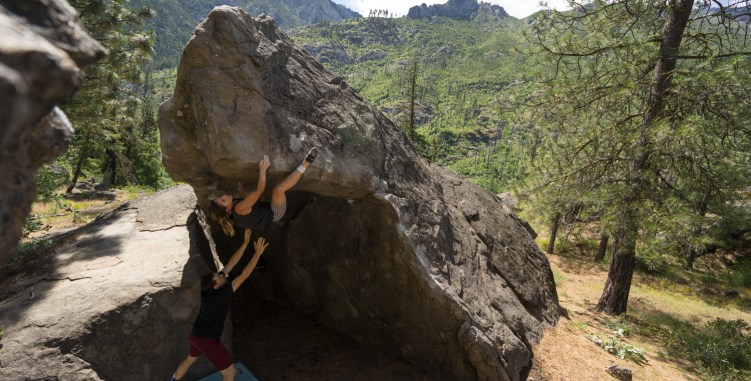 anya miller bouldering photo by anne cleary