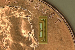 The tiny radio-on-a-chip gathers all the power it needs from the same electromagnetic waves that carry signals to its receiving antenna. (Source: Stanford University and U.C. Berkeley)