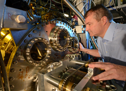 A researcher at the attosecond beamline where the experiments were carried out. (Source: Thorsten Naeser)