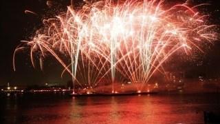 船橋港親水公園花火大会の行き方!穴場スポットは?