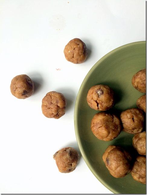 Chocolate Chip Peanut Butter Energy Bites _4
