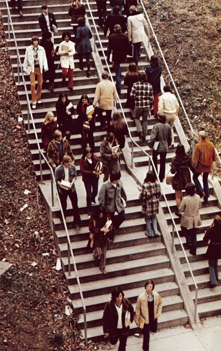 sagamore-1973-walking-students-stairs