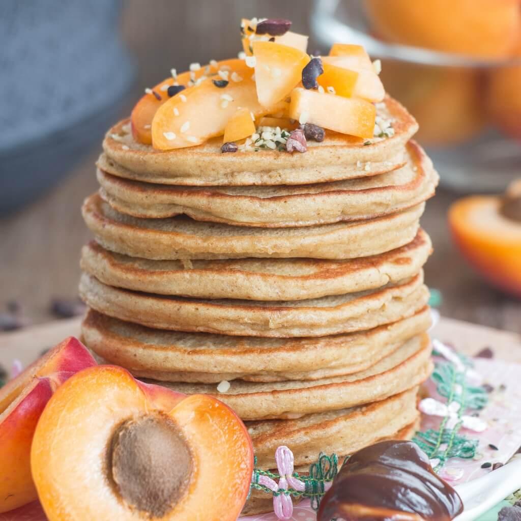 Vegane Protein Pancakes mit Aprikosen