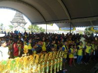 Peserta Kompetisi Sempoa Kreatif di Candi Penataran Blitar, September 2013